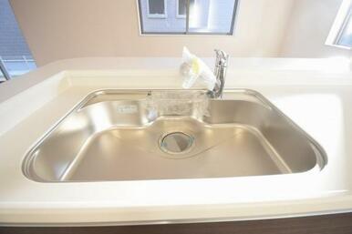 ワンタッチで綺麗なお水が飲める浄水機能付きのシステムキッチン