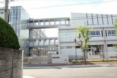 新番丁小学校