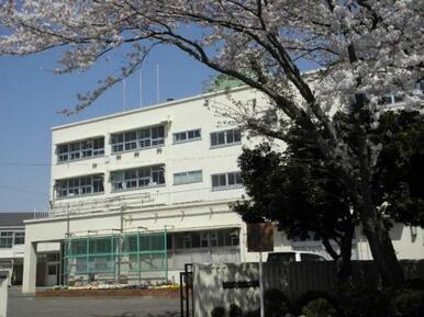 中田中学校まで徒歩10分