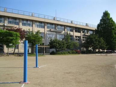 中田小学校まで徒歩4分