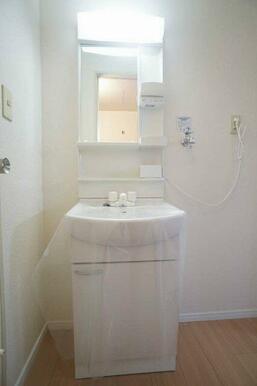 独立洗髪洗面台です♪