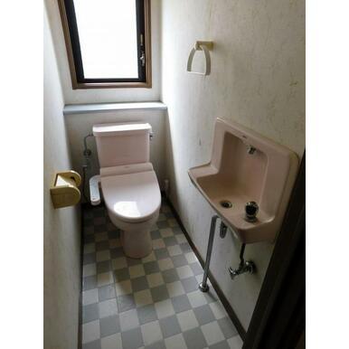 1階・2階にそれぞれトイレあります。