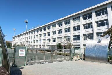 豊田市立猿投台中学校