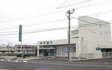 伊予銀行高松東店さん