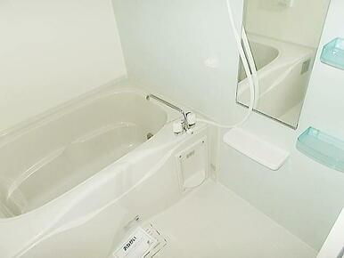浴室乾燥機・追い焚き機能付きで快適ライフ☆