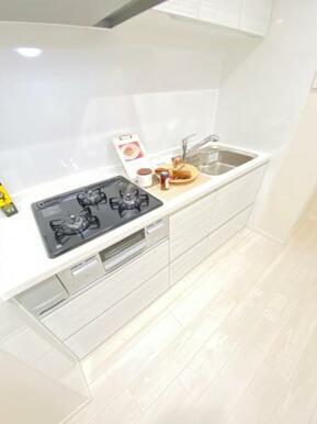 お料理に集中できる配置のキッチン