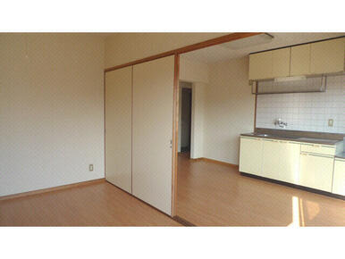 洋室+キッチン