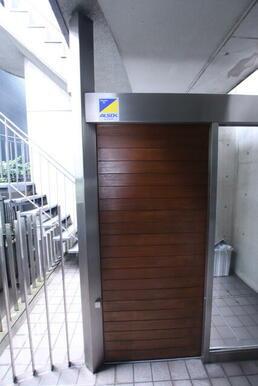 ★建物入口★