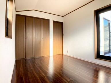 「2階西側洋室」
