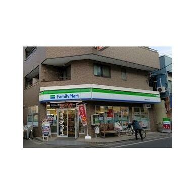 ファミリーマート田園調布本町店