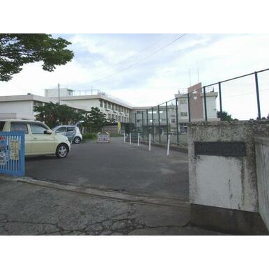 鶴谷小学校611m