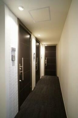 建物館内はタイルも施し、高級感のある仕様となっております♪