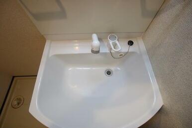 朝の支度も楽な洗髪洗面化粧台