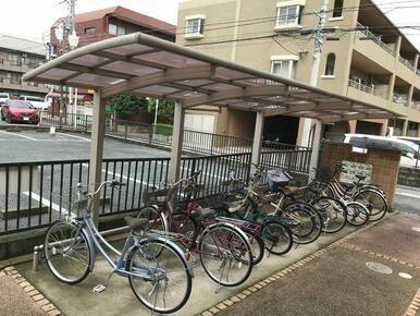 入居の方専用の屋根付き駐輪場!