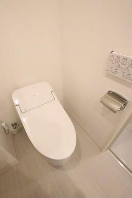 洗浄便座付きのトイレです★