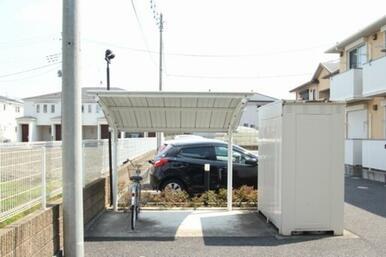 屋根付き駐輪場有り☆