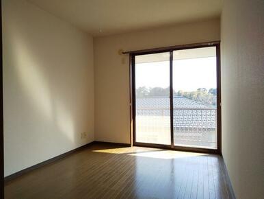 6帖の洋室・寝室としてもお使い頂ける広さです★