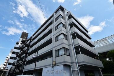 新田駅より徒歩8分とアクセス良好◎獨協大学前駅よりも徒歩12分なので2駅の利用が可能!お出かけ先に…