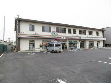 セブンイレブン草加新田駅東口店