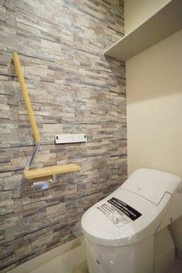 ◆暖房洗浄便座付きトイレ◆暖房洗浄便座付きなので、オールシーズン快適にご利用いただけます!収納棚、手