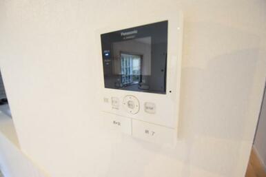 来訪者の顔が確認できるTVモニター付きインターホン