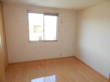 ベッドルームや子供部屋など入居者様の状況に合わせて使い勝手の良い洋室です。
