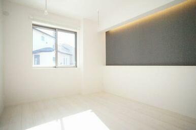 ◆洋室(6.3帖)◆アクセントクロスや間接照明がオシャレですね♪