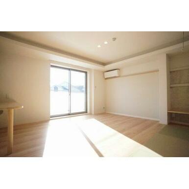 ◆LDK(14.6帖)◆エアコン2台、全部屋照明付きなので、初期費用が抑えられそうですね♪