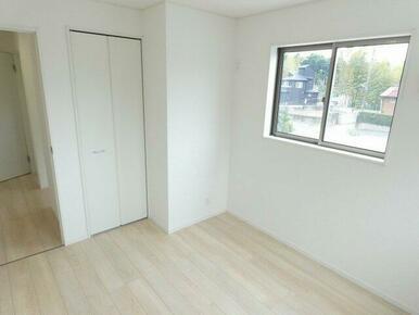 2階洋室クローゼット