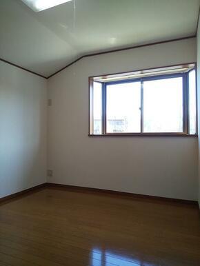 2階・4.5帖洋室