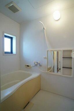 浴室◆追いだき機能付き◆換気窓有り
