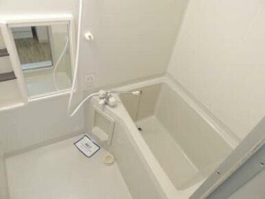 ゆったりとした洗面脱衣所スペース♪有効活用してください♪