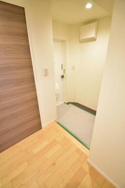 《玄関》清潔感のある玄関スペース