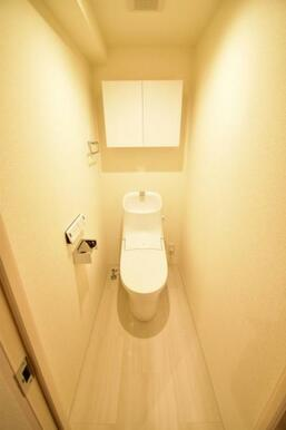 《トイレ》ピカピカのウォシュレット付き多機能トイレ