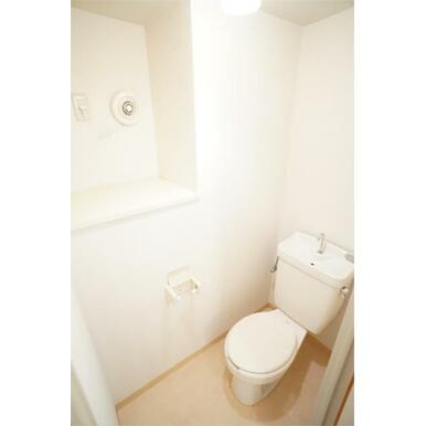 シャワートイレ新設します