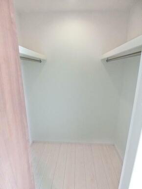 2階洋室8.12帖 収納