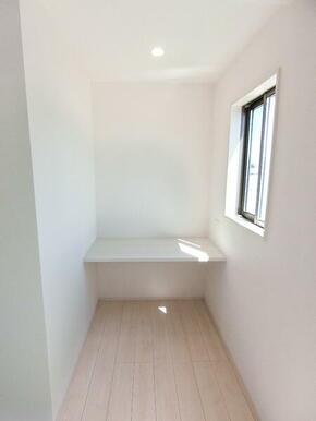 2階洋室8.12帖 カウンタースペース