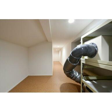 3階部分の収納兼、機械室。換気装置があり簡単にフィルター交換や掃除が行えます。