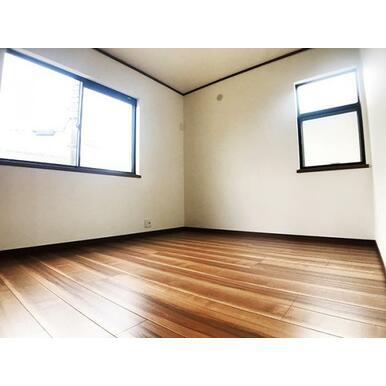 2階5.2帖洋室。