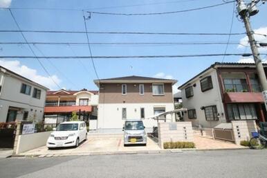 JR武蔵野線三郷駅まで徒歩7分☆敷地内駐車場が3台有ります☆