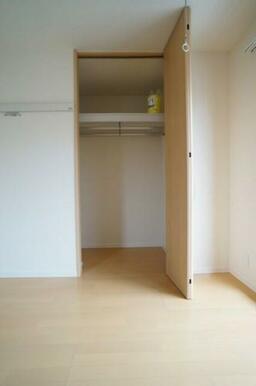 【収納】6.4帖の洋室のクローゼットです!