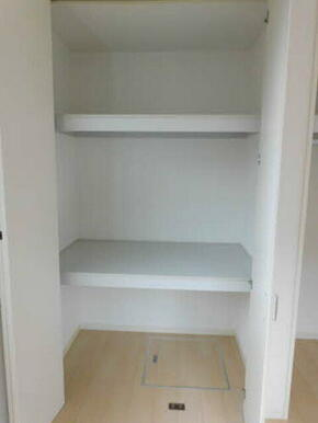 あると便利な収納。棚を使ってキレイに整理整頓!お部屋を広くご利用いただけます!