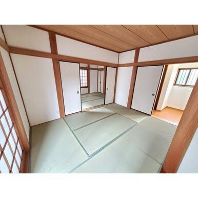 和室 天井・壁クロス貼替え、畳表交換、襖・障子張替えをしています。