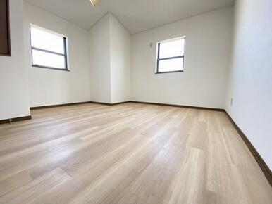 2階 東側洋室です。