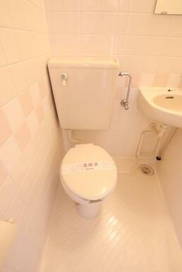 お風呂にあるトイレです♪