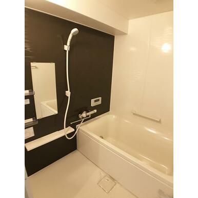 「お風呂」ハウステック製のお風呂に新品交換しました
