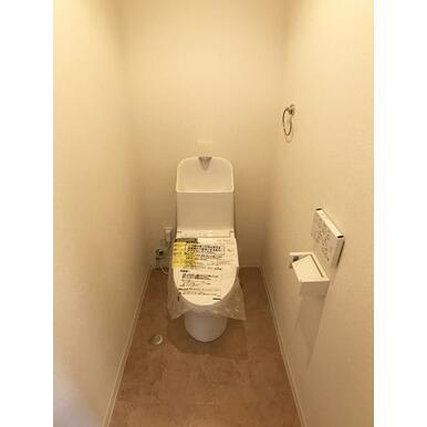 「トイレ」ウォシュレット付トイレを新品交換しました