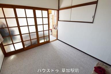 2階の洋室です♪子供部屋にも寝室にも使用可能!収納スペースもあるので、収納に困りません(*^^*)