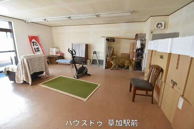店舗室内です!トイレ、水道ございますので、店舗としても、別室としても使用可能!お好きにお使いいただ…