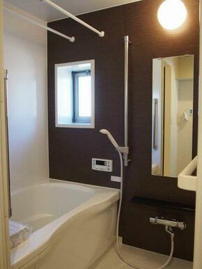 ご覧の通り、単身者向けの浴室とは思えない品質の高い浴室になっております♪雨の日もお洗濯や女性も安心♪